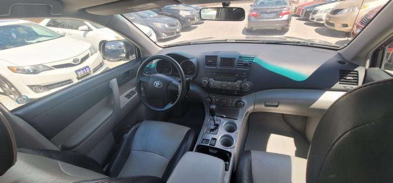 Toyota Highlander 2008 price $8,795