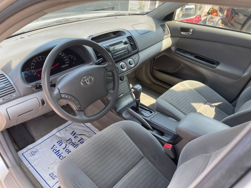 Toyota Camry 2005 price $2,299