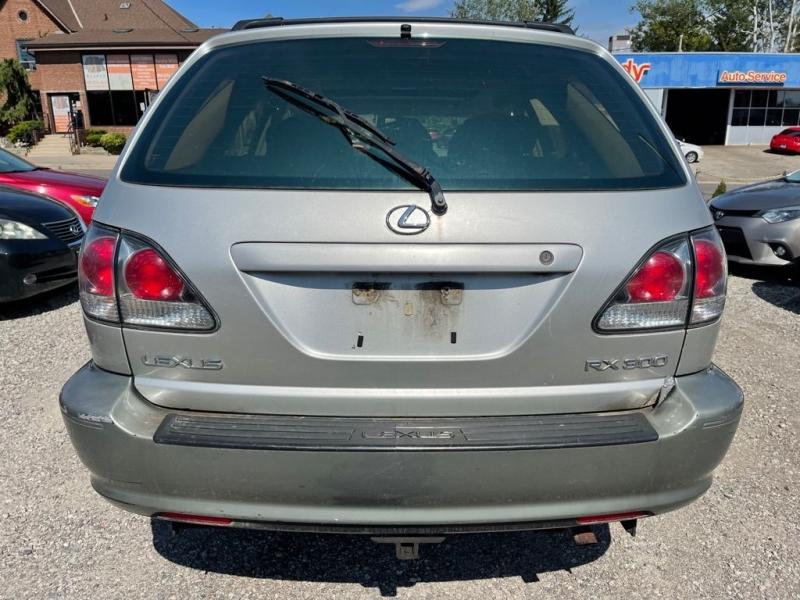 Lexus RX 300 2001 price $2,998