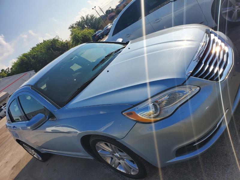Chrysler 200 2014 price $990 Down