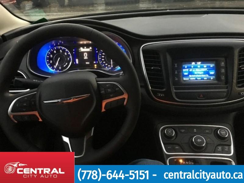 Chrysler 200 2017 price $17,488