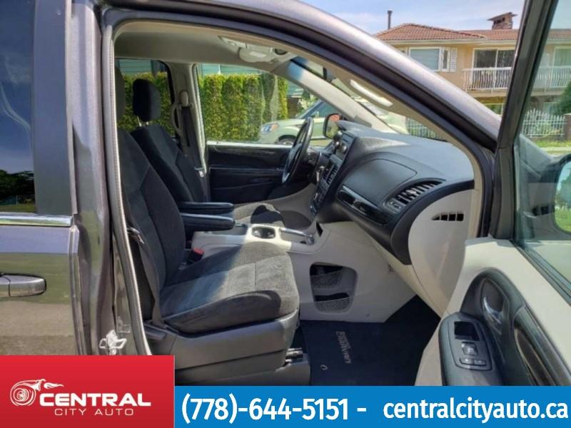 Dodge Grand Caravan 2017 price $18,995