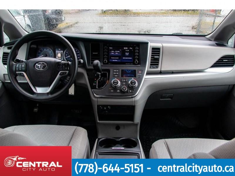 Toyota Sienna 2019 price $39,999