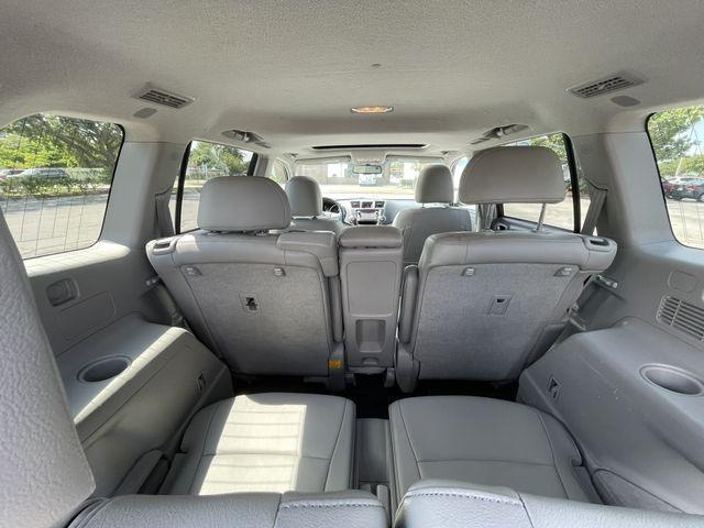 Toyota Highlander 2013 price $18,888