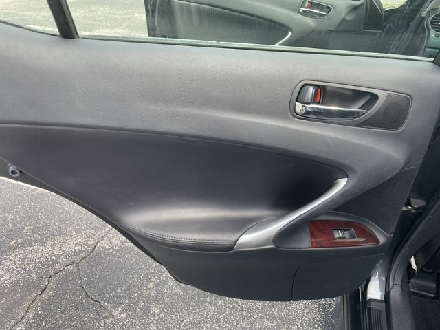Lexus IS 2007 price $7,488