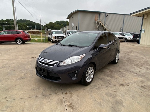 Ford Fiesta 2013 price $4,900 Cash