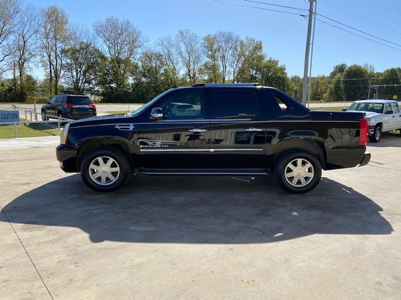 Cadillac Escalade EXT 2007 price $9,000 Cash