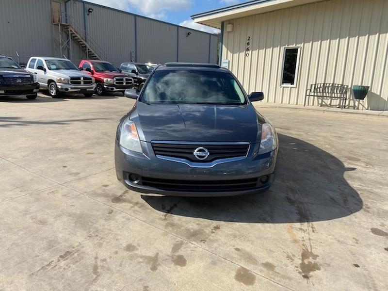 Nissan Altima 2008 price $4,400 Cash