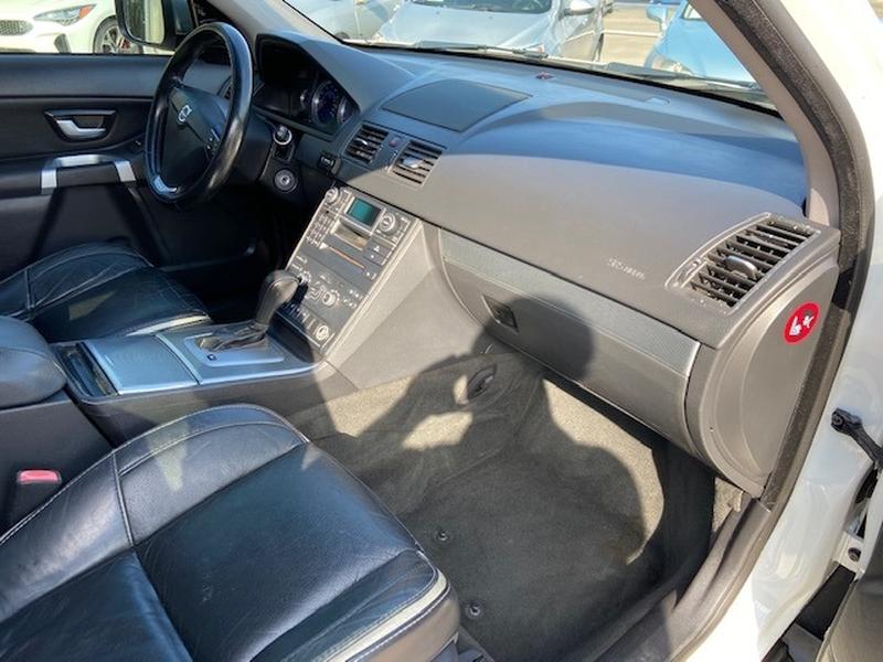Volvo XC90 2010 price $6,900 Cash