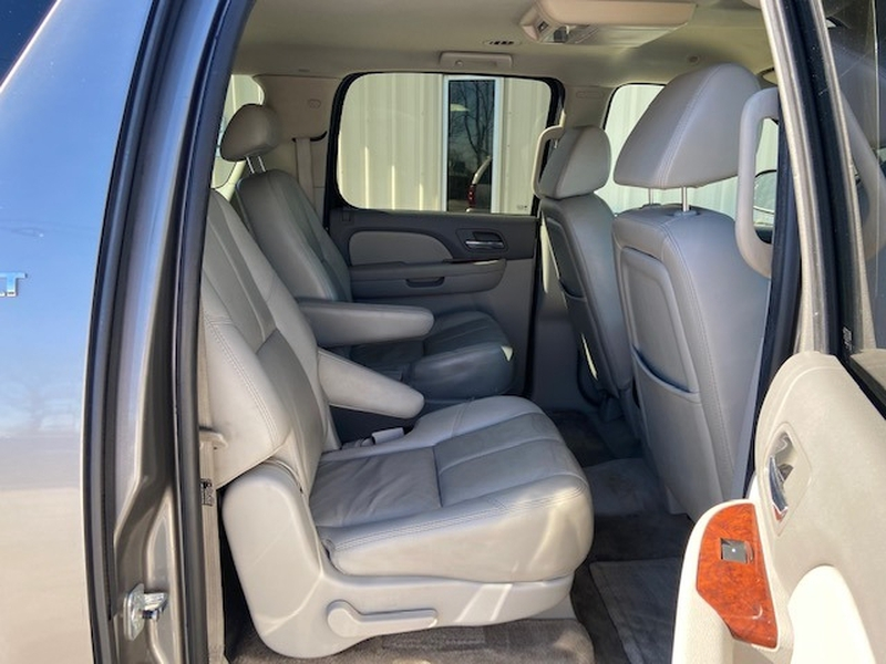 Chevrolet Suburban 2007 price $8,300 Cash