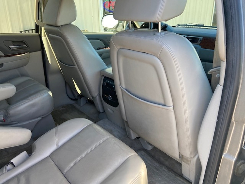 Chevrolet Suburban 2007 price $7,900 Cash