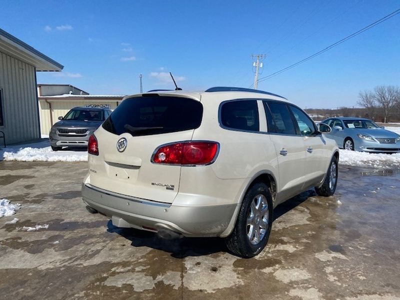 Buick Enclave 2010 price $7,000 Cash