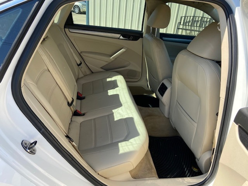 Volkswagen Passat 2014 price $6,500 Cash