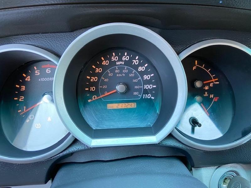 Toyota 4Runner 2008 price $9,600 Cash
