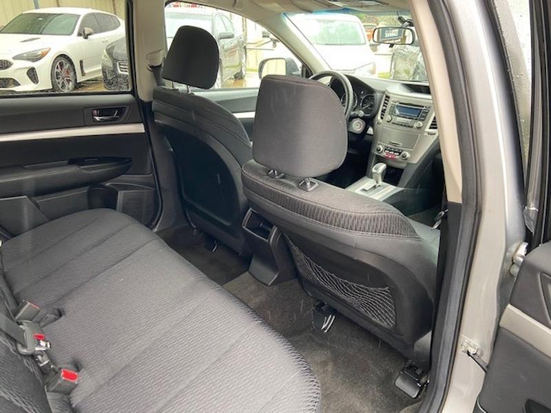 Subaru Outback 2012 price $7,500 Cash