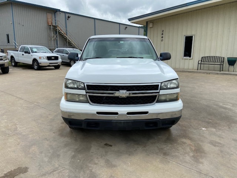 Chevrolet Silverado 1500 2006 price $8,800 Cash