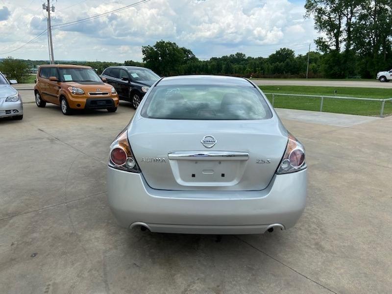 Nissan Altima 2009 price $4,500 Cash