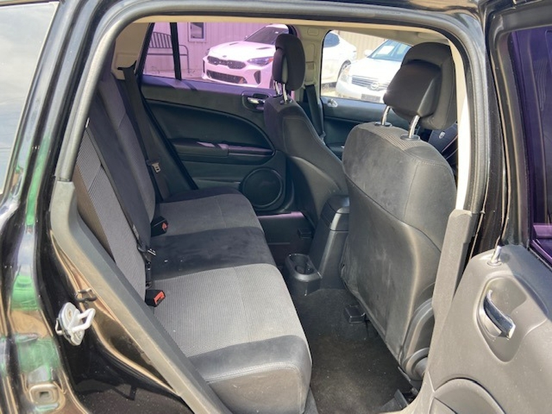 Dodge Caliber 2010 price $3,900 Cash