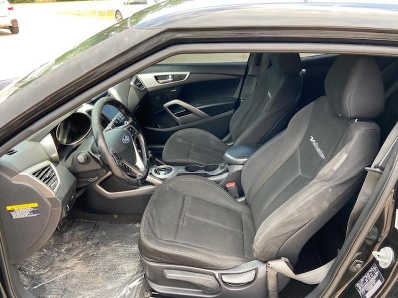 Hyundai Veloster 2013 price $7,500 Cash