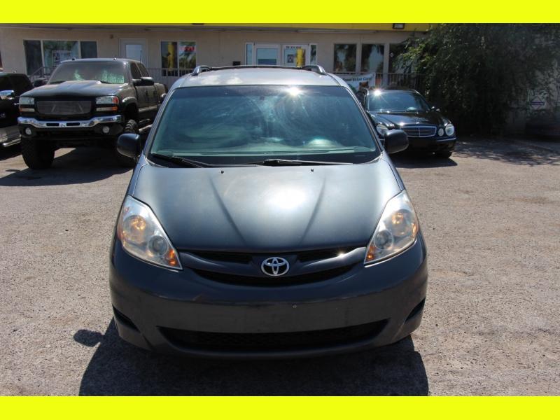 Toyota Sienna 2007 price $6,199
