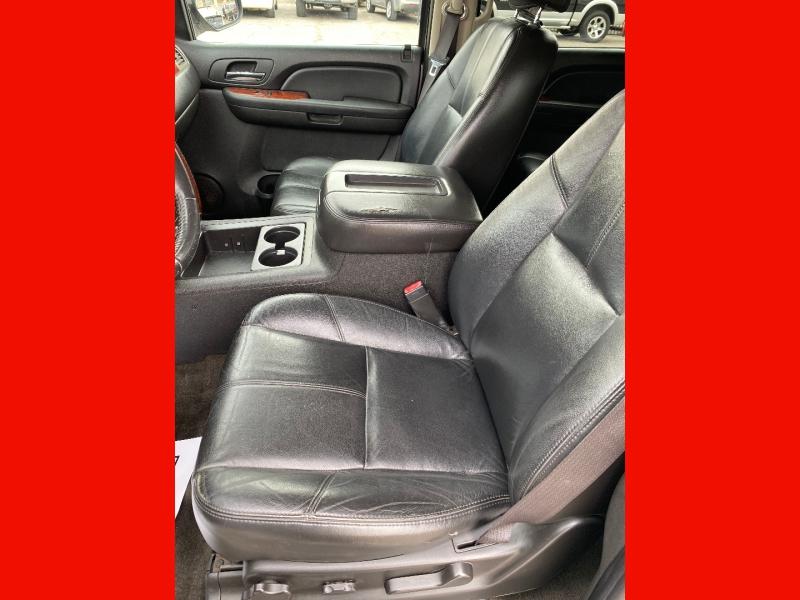 Chevrolet Suburban 2009 price $10,445