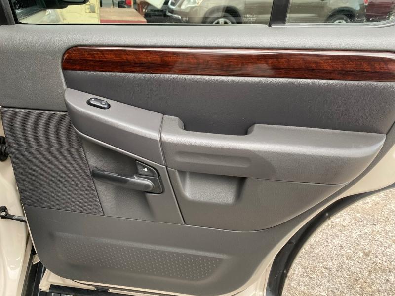 Ford Explorer 2005 price $6,323
