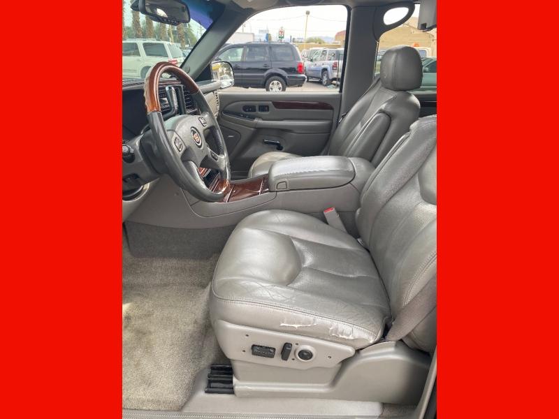 Cadillac Escalade 2006 price $9,999