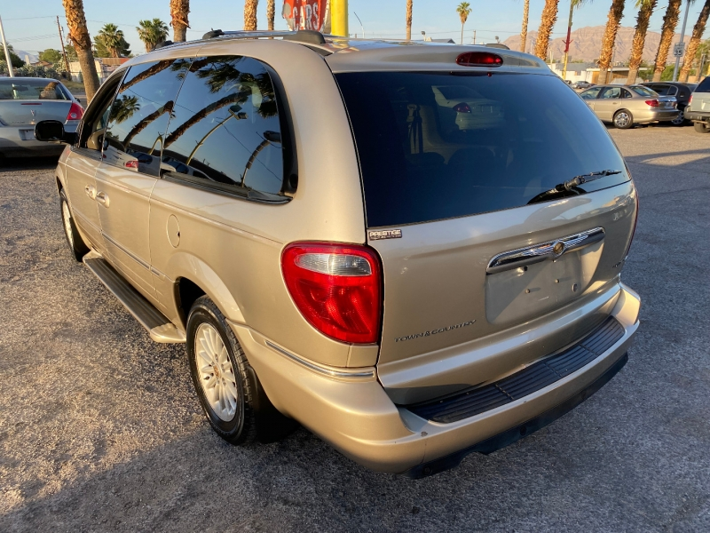 Chrysler Town & Country 2006 price $6,175