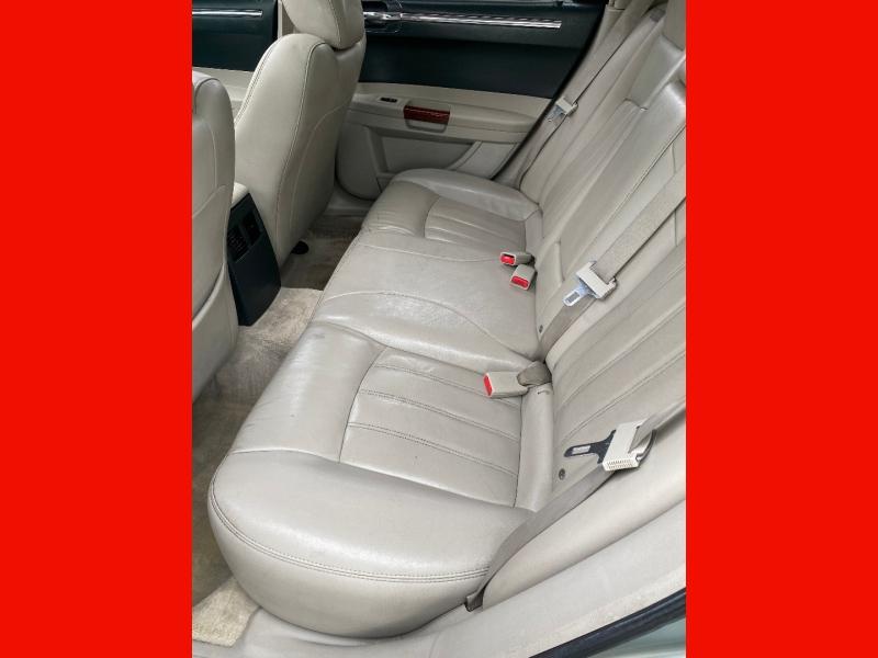 Chrysler 300-Series 2006 price $6,755