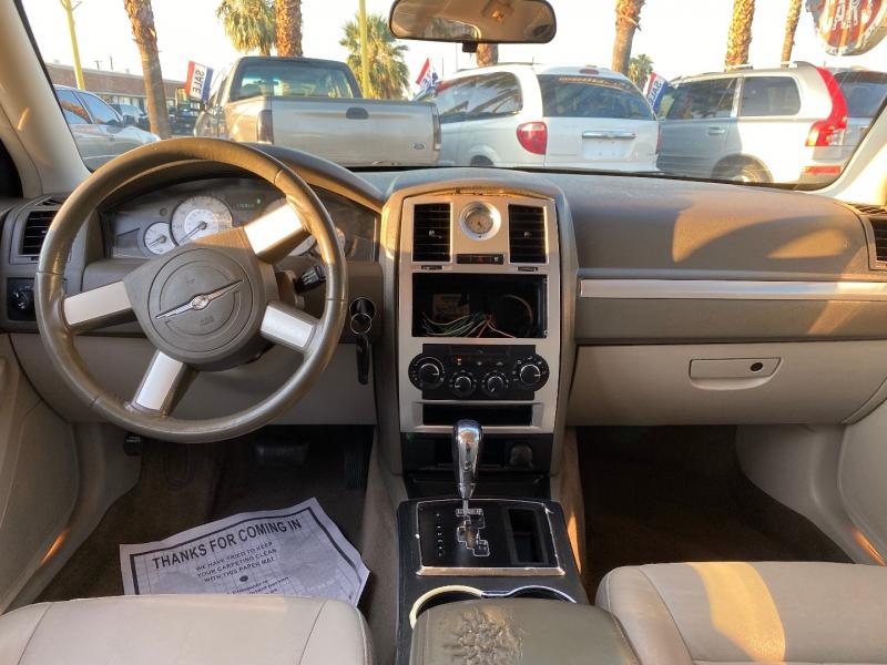 Chrysler 300-Series 2010 price $8,980