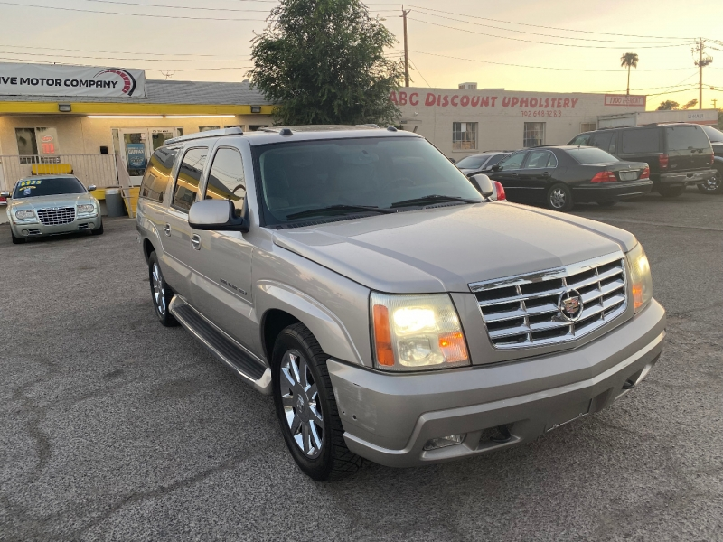 Cadillac Escalade ESV 2004 price $7,984