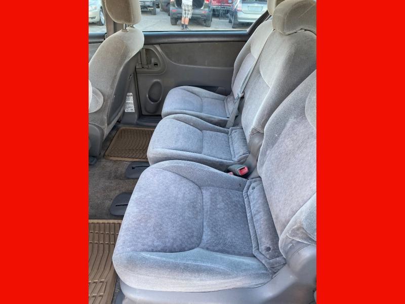 Toyota Sienna 2005 price $6,579