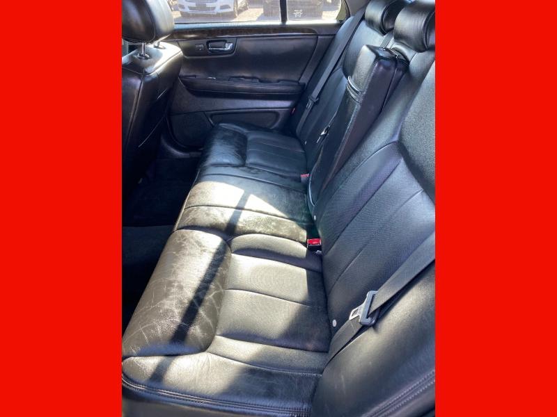 Cadillac DTS 2010 price $10,493