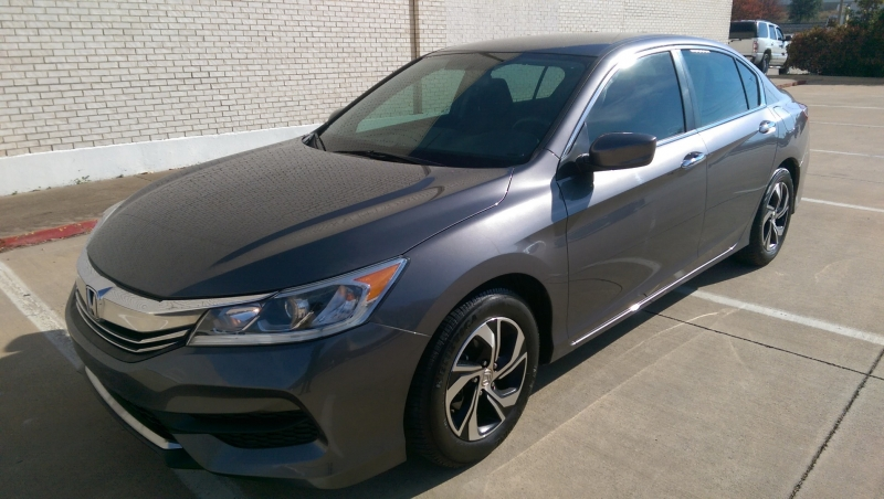 Honda Accord Sedan 2017 price Buy here pay here - in house.