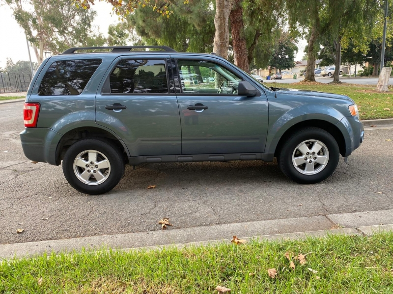 Ford escape XLT 2012 price $6,995