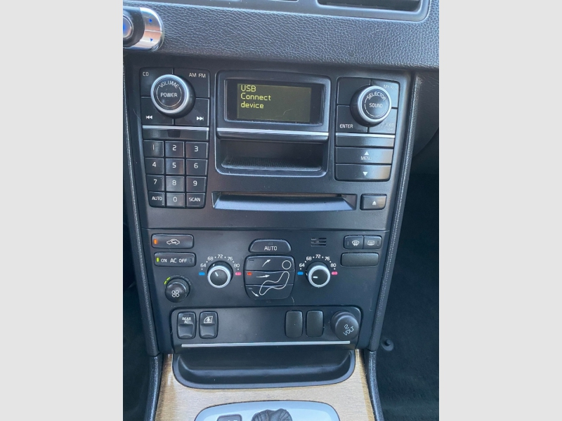 Volvo XC90 AWD 2009 price $8,400