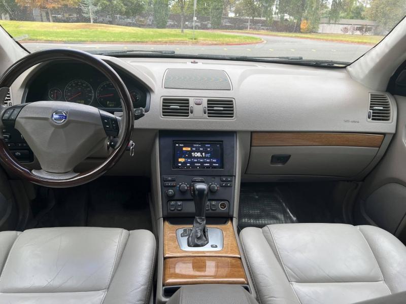 Volvo XC90 T6 AWD 2005 price $6,995