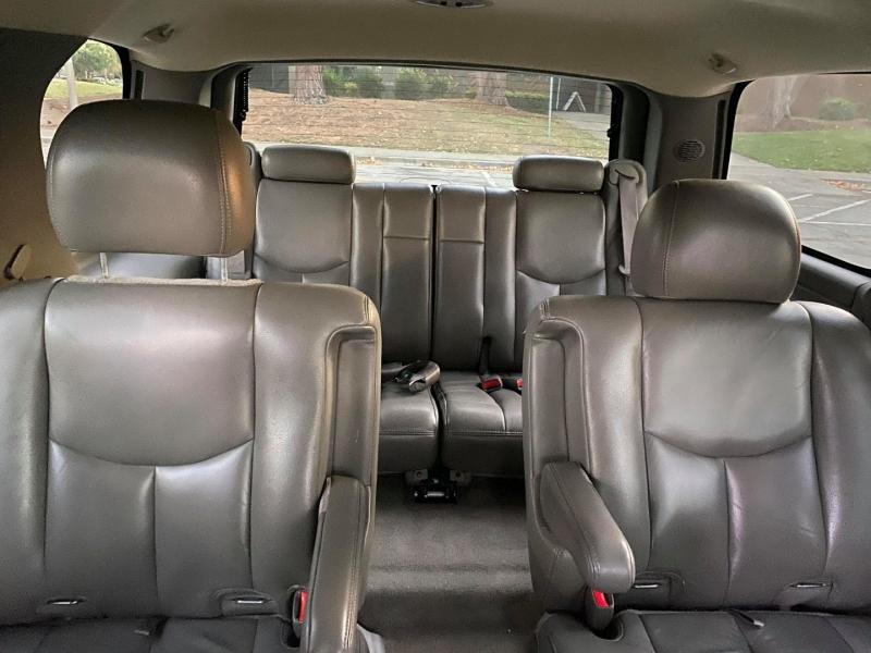 GMC Yukon 1500 4WD SLT 2006 price $9,400