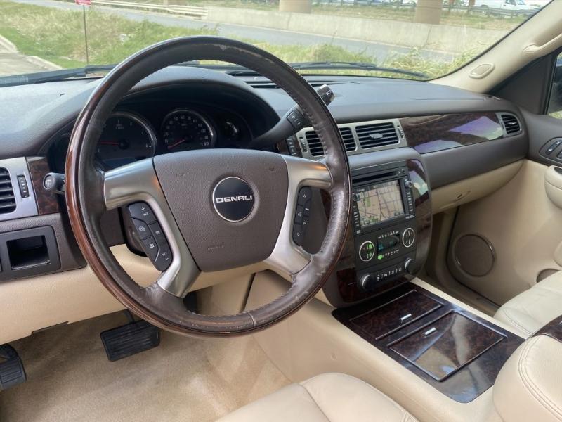 GMC Yukon DENALI 2007 price $10,900