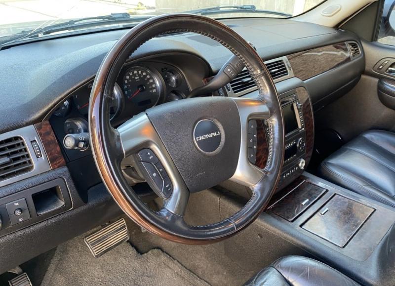 GMC YUKON 2007 price $9,900