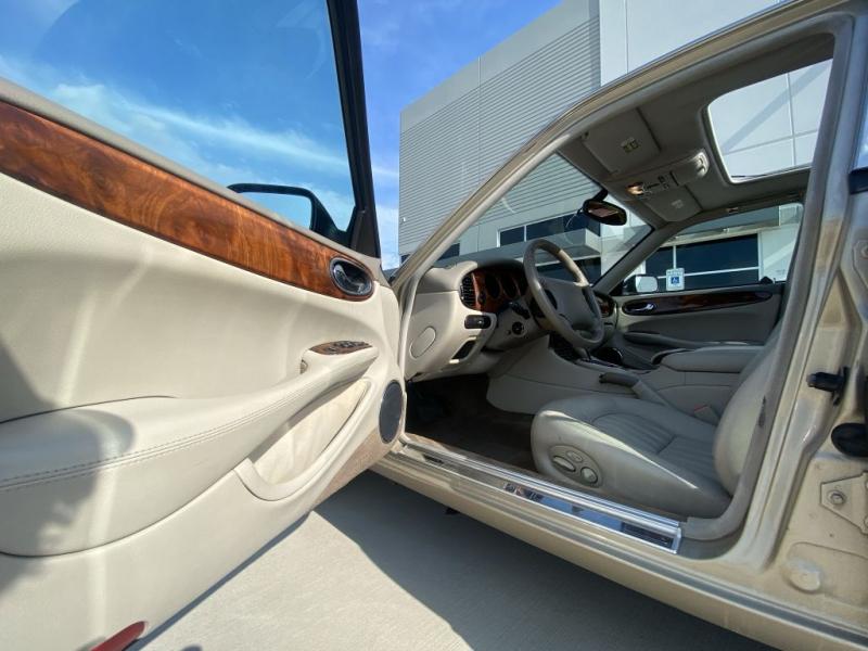 JAGUAR XJ8 1998 price $7,900