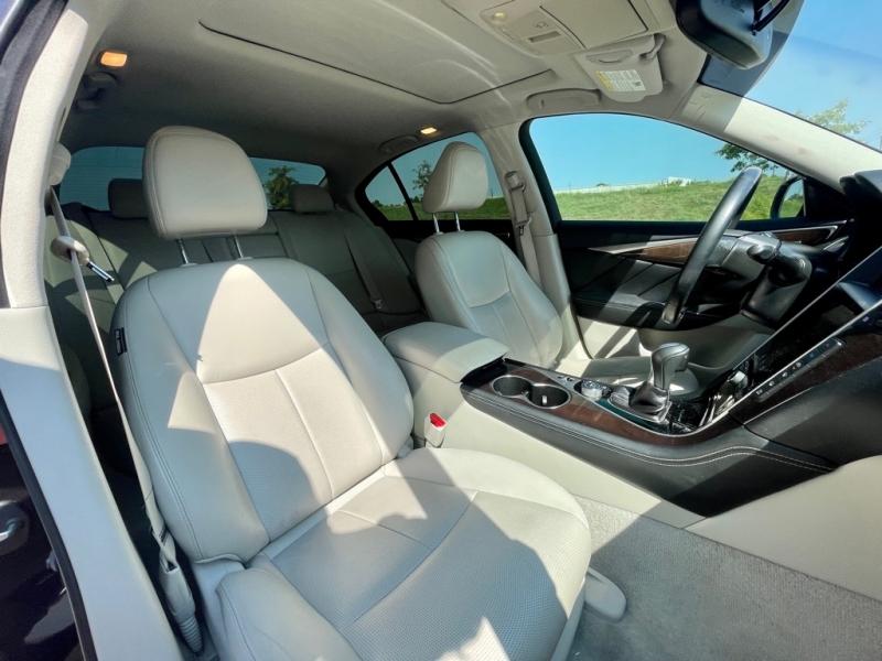 INFINITI Q50 2015 price $17,900
