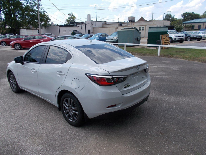 TOYOTA YARIS 2019 price Call for Pricing.