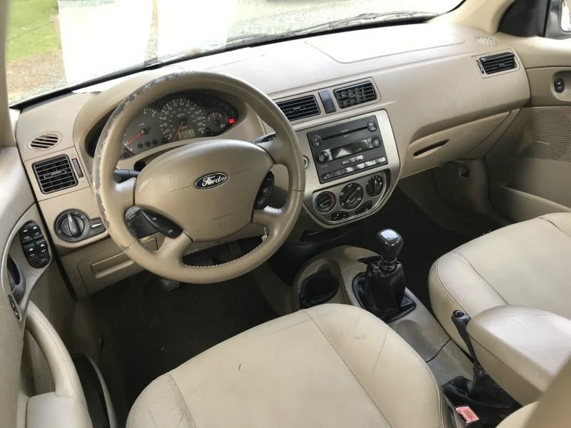 Ford Focus 2005 price $2,000