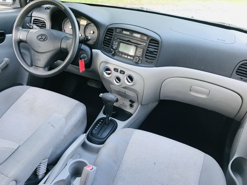 Hyundai Accent 2009 price $2,700