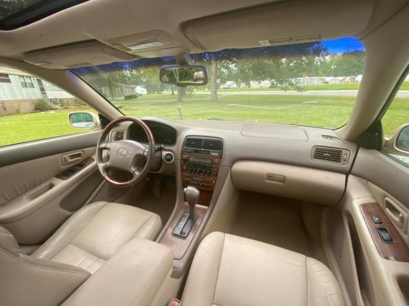 Lexus ES 300 2001 price $3,400