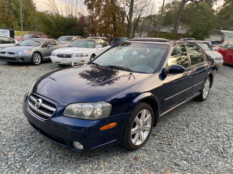 Nissan Maxima 2003 price $3,400