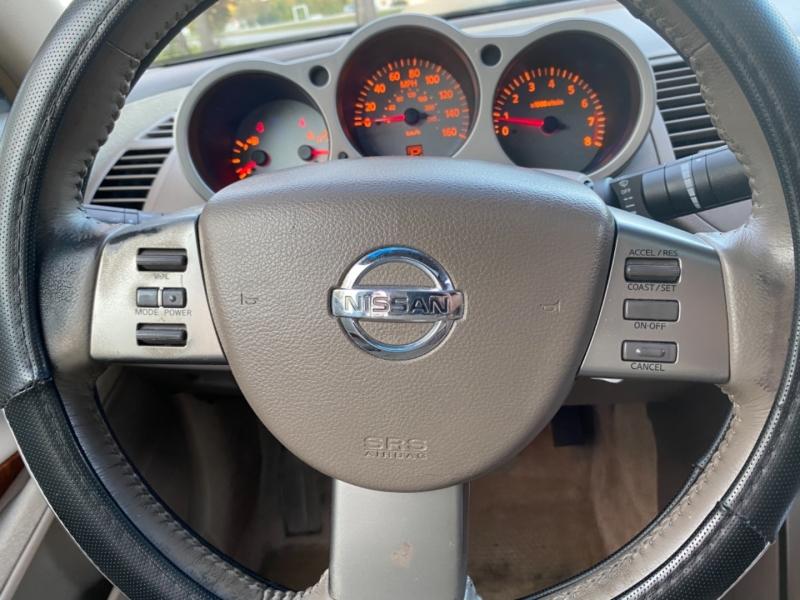 Nissan Maxima 2004 price $4,300