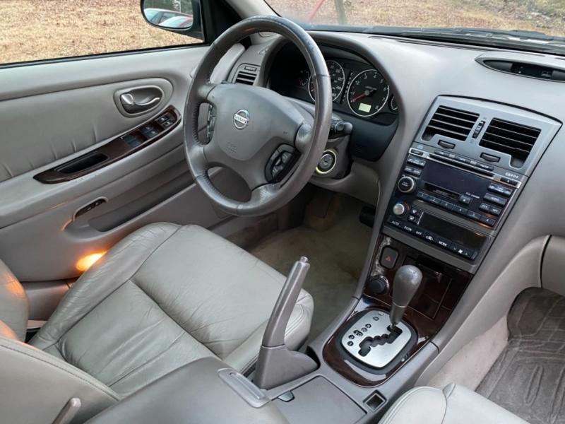Nissan Maxima 2003 price $2,999