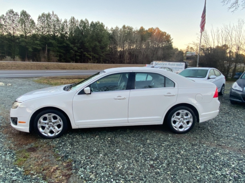 Ford Fusion 2010 price $4,999